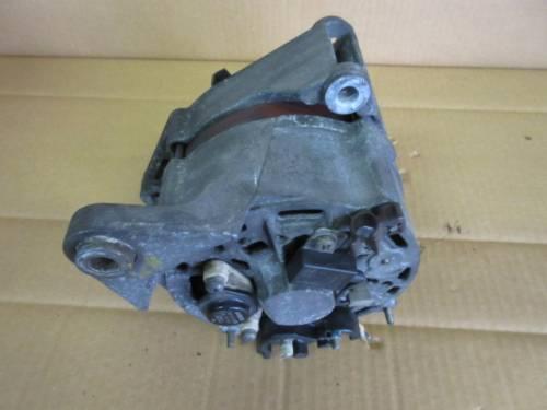 Alternatore Bosch 0120469864 865 037903023A 14V 34/90A Volkswagen  Passat del 1991 1781cc.   da autodemolizione