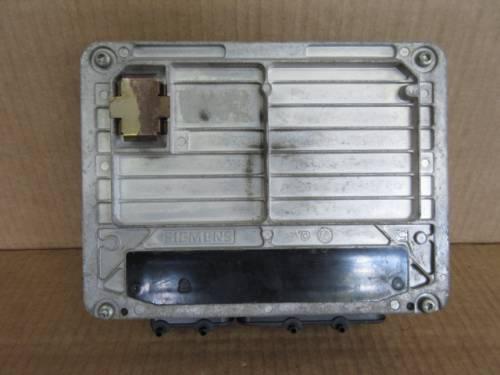 Centralina Motore Siemens 06A906019AK 5WP437103 Volkswagen  Golf 4 del 1999 1600cc.   da autodemolizione