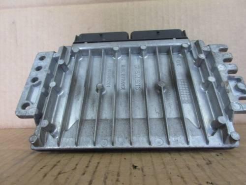 Centralina Motore Siemens Sirius 32 S110030304 8200024377 7700110471 Renault  Clio del 1999 1400cc. 16v  da autodemolizione