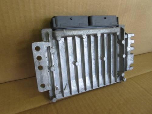 Centralina Motore Siemens Sirius 32 S110030054A 8200035891 770011047 Renault  Megane Scenic del 1999 1600cc.   da autodemolizione