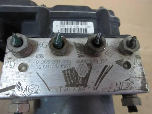 Centralina Abs Bosch 0265800316 265231333 8200229137 Renault  Clio del 2000 1150cc.   da autodemolizione