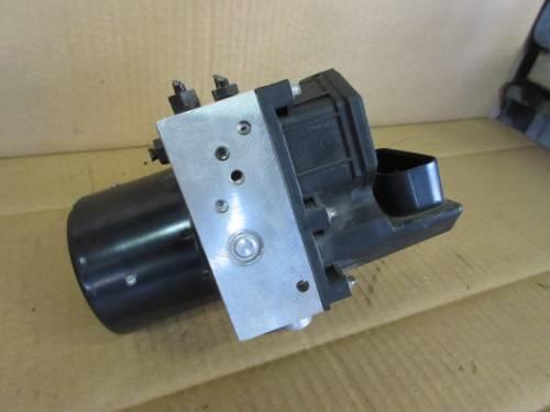 Centralina Abs  Bosch 0265800003 6Q0907379G 0265222006 6Q0614117E Seat  Ibiza del 2003 1200cc.   da autodemolizione