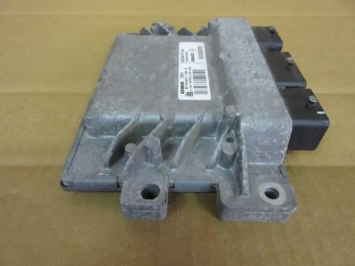 Centralina Motore Siemens SIM32 S120201109 A 8200473744 8200400246 Renault  Clio del 2007 1149cc. 16v  da autodemolizione