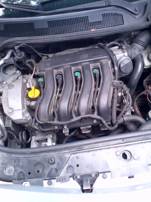 Motore Renault  Megane del 2004 1600cc. 3 porte  da autodemolizione