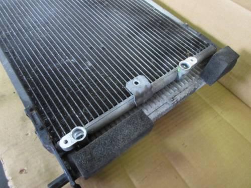 Radiatore Acqua 38x60x4 blocco unico con condensatore 2125 0220700 Toyota  Prius del 2001 1497cc.   da autodemolizione