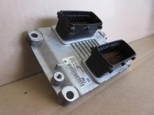 Centralina Motore  GM 0261207426 282161 26SA8094 282270291 24456865 Opel  Agila del 2002 1200cc.   da autodemolizione