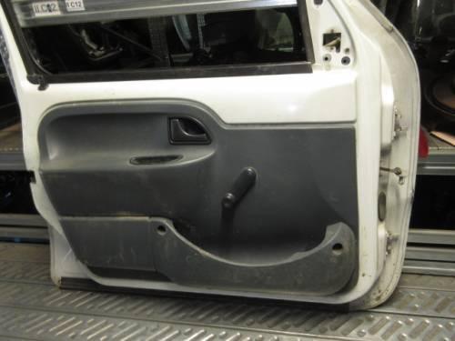 Portiera Anteriore Sinistra Renault  Kangoo D65         del 1998 da autodemolizione