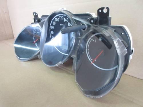Quadro Strumenti HR 0294018 78100SAA G300 0200240022231  Honda  Jazz del 2002 1246cc.   da autodemolizione