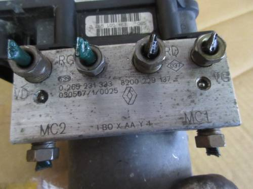 Centralina Abs Bosch 0265800316 38429 A0627 Bosch 0265231333 8200 Renault  Clio del 2003 1461cc. TDCI  da autodemolizione