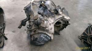 Cambio Da Opel  Agila del 2002 973cc. 1.0 12V 3 CIL Usato da autodemolizione