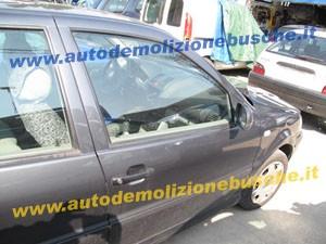 Portiera Anteriore Destra Volkswagen  Polo  del 2000 da autodemolizione