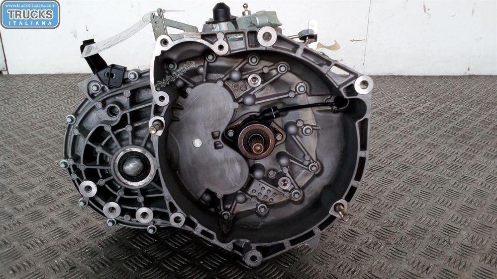Cambio NS. RIFERIMENTO 180705000025 Da Alfa Romeo  Giulietta del 2013 1cc.  Usato da autodemolizione