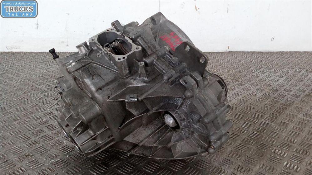 Cambio NS. RIFERIMENTO 180724000020 Da Smart  Fortwo del 2011 999cc. 52 KW 70 CV Usato da autodemolizione