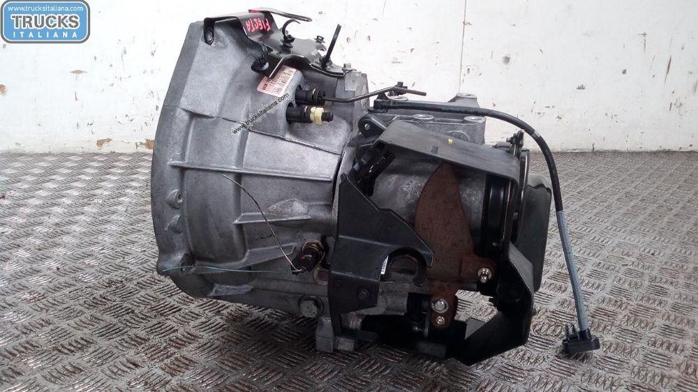 Cambio NS. RIFERIMENTO 180223000045 Da Ford  Fiesta del 2012 1399cc. 51.50 KW 70 CV Usato da autodemolizione