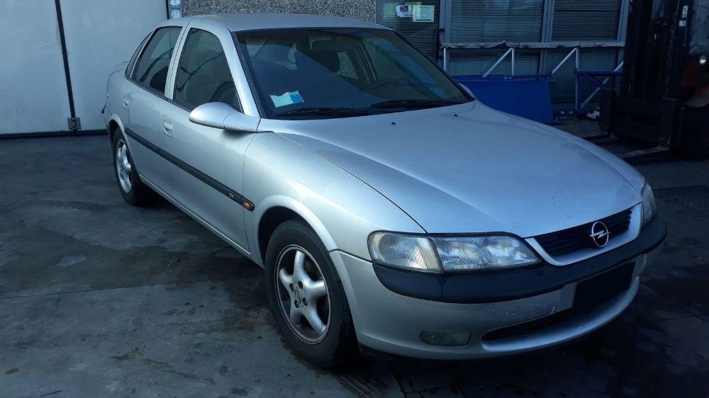 Motore Da Opel  Vectra del 1999 1799cc. BERLINA Usato da autodemolizione