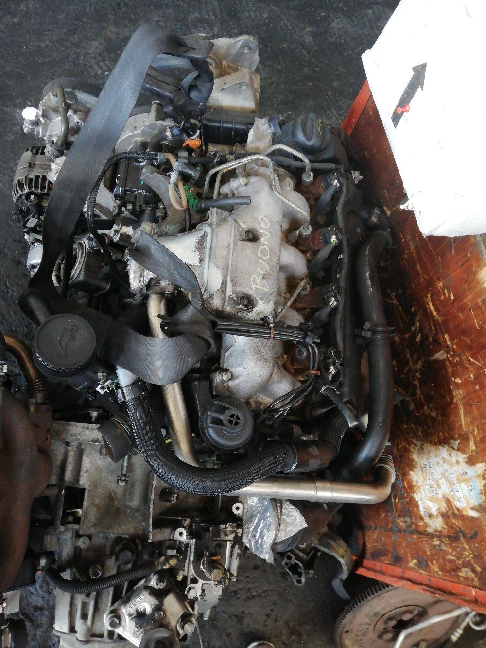 Motore 4hw Da Fiat  Ulysse del 2004 2200cc. Berlina  Usato da autodemolizione