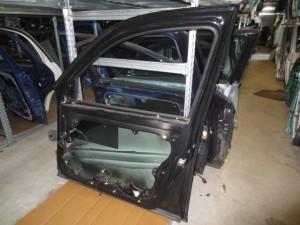 Portiera Anteriore Destra Volkswagen  Golf 4  del 2003 da autodemolizione