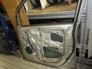 Portiera Anteriore Destra Toyota  Avensis  del 2001 da autodemolizione