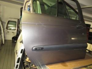Portiera Anteriore Destra Renault  Megane Scenic  del 1999 da autodemolizione