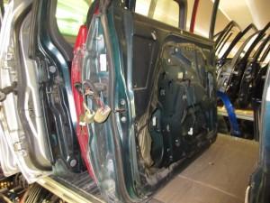 Portiera Anteriore Destra Mitsubishi  Pajero  del 1997 da autodemolizione