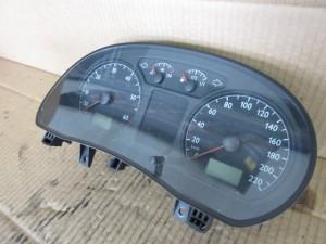Quadro Strumenti Volkswagen  Polo del 2004 1400cc.   da autodemolizione