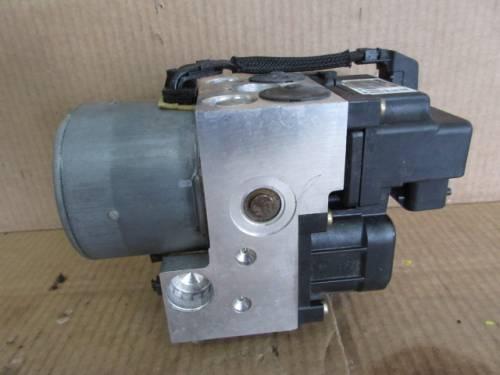 Centralina Abs Bosch 0273004636 0265216904 0130108084 Toyota  Yaris del 2004 1298cc.   da autodemolizione