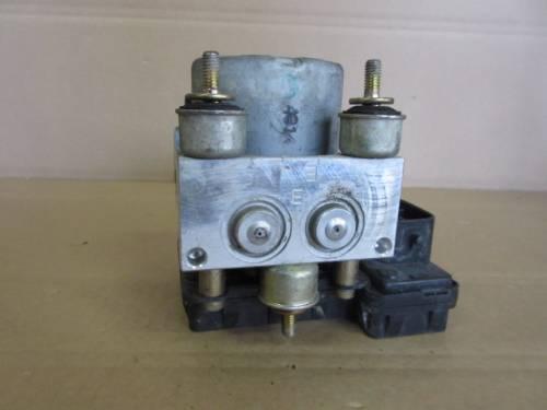 Centralina Abs TY-0-2WD-4929-1 BTB4 1D024929340AD Toyota  Yaris del 2004 1364cc.   da autodemolizione