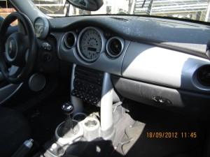 MINI  Cooper DEL 2004 1598cc.
