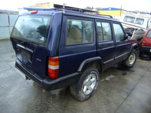 JEEP  Cherokee DEL 2001 2500cc.