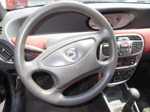 LANCIA  Y DEL 2000 1108cc.