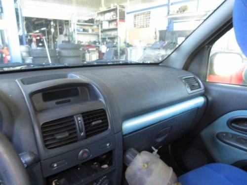 RENAULT  Clio DEL 2002 1149cc. 16V
