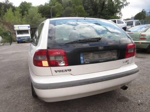 VOLVO  V40 DEL 1997 1731cc.