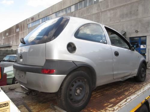 OPEL  CORSA C DEL 2002 973cc.
