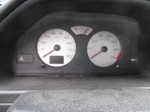 PEUGEOT  106 DEL 2000 1360cc.