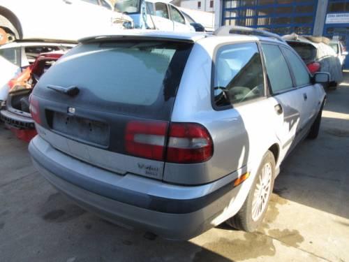 VOLVO  V40 DEL 2004 1870cc. TDI