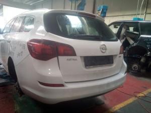 OPEL  Astra DEL 2012 1700cc.