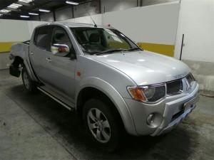 MITSUBISHI  L200 DEL 2009 0cc.
