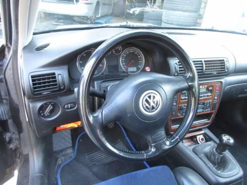 VOLKSWAGEN  Passat DEL 2002 1900cc.