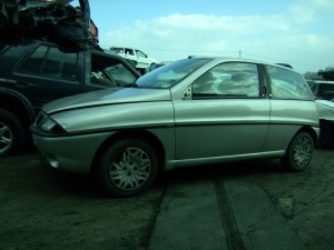 LANCIA  Y DEL 1999 1200cc.