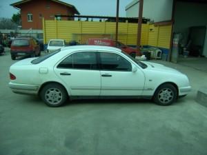 MERCEDES-BENZ  220 DEL 1997 2155cc. 70 KW E 220